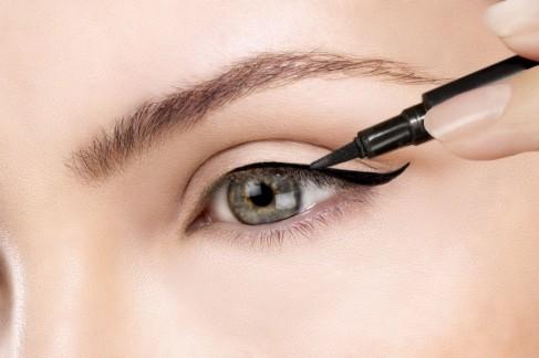 eyeliner-líquido-880x586.jpg