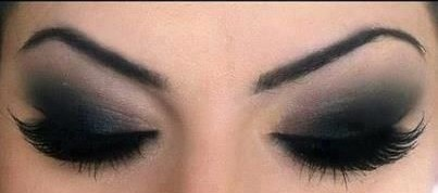 1-how-to-apply-smokey-eyes-makeup-step-by-step