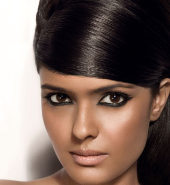 eye-makeup-for-dark-hair