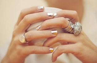 Metallic-Nails-1