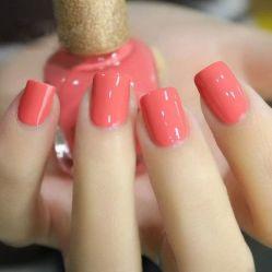 22b67b876277191ba29d14cead3b4f8c--coral-nail-polish-nail-polishes